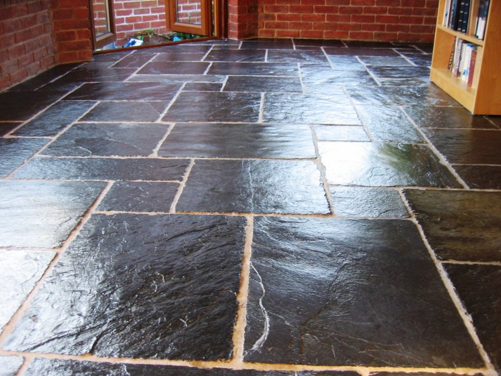Slate Stone Tiles : Cleaning services stone and polishing tips for