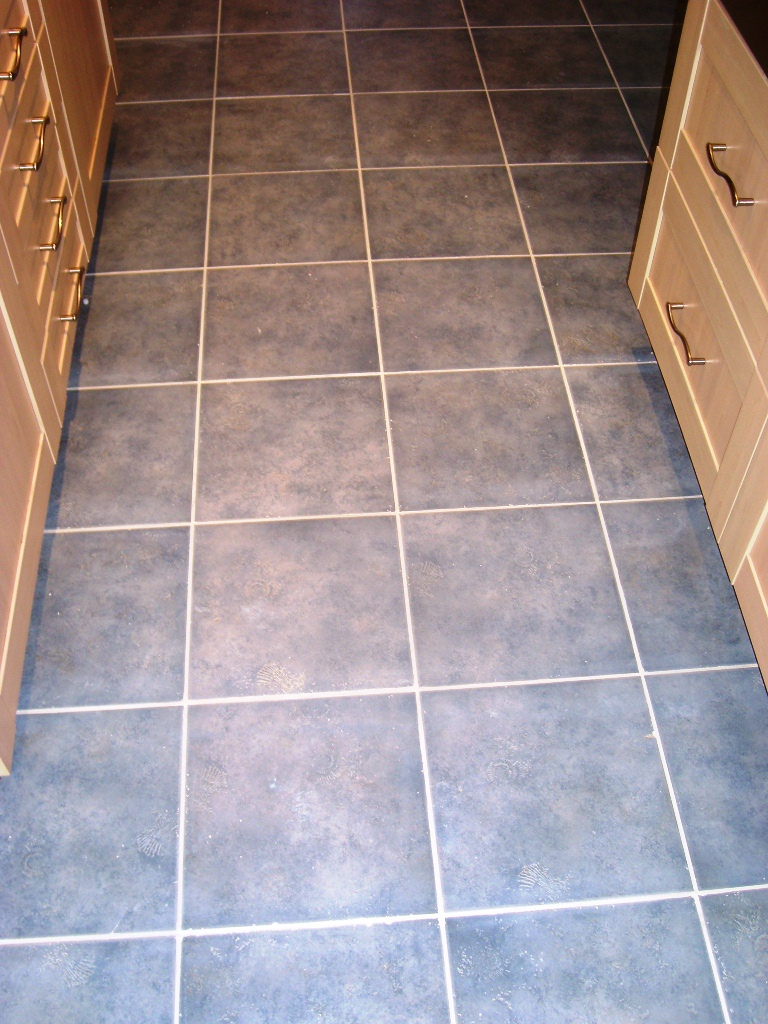 Romsey Ceramic Tile and Grout After Cleaning and Colouring