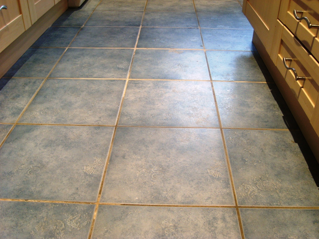 Romsey Ceramic Tile and Grout Before Cleaning